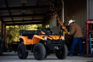 Canam Outlander DPS 570 Orange work